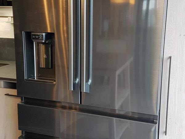 refrigerateur americain samsung inox noir avec distributeur en façade