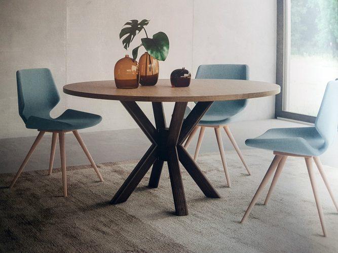 Table et chaise de marque Armony. ici le modèle Wave Wood