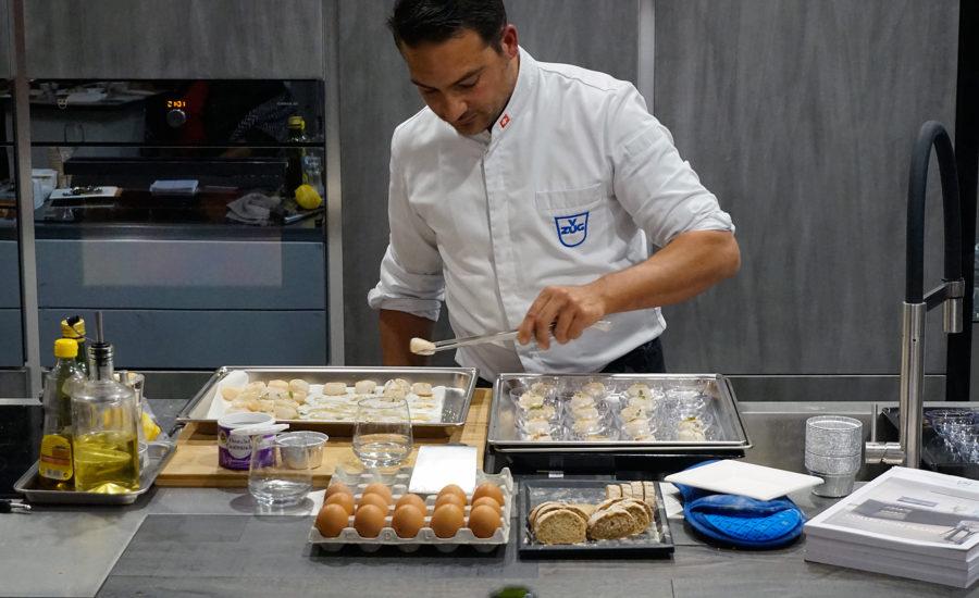 cuisinier Vzug, le Chef  Brousse aux manettes