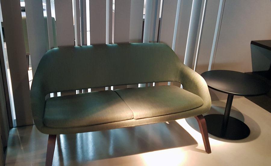 canapé deux places vert en tissus
