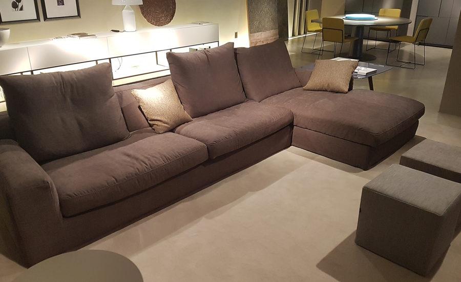 Canapé d'angle en tissus marron