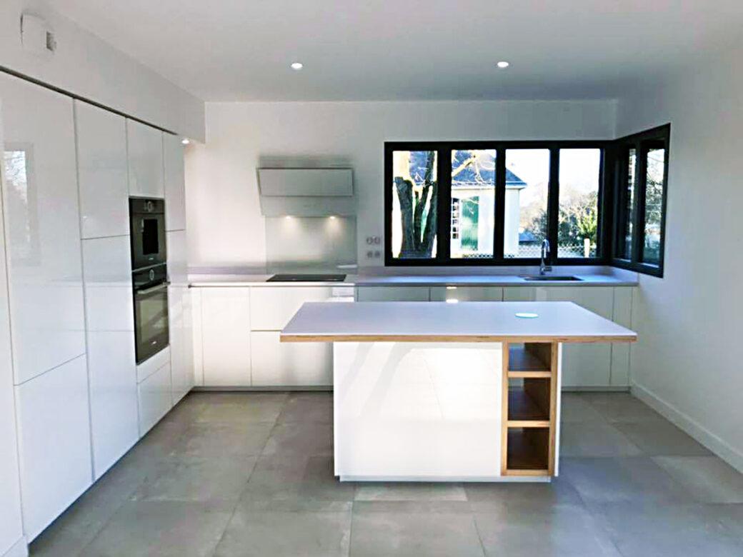 Cuisine Lumineuse Sans Fenetre cuisine blanche et brillante en l à nort – conception et