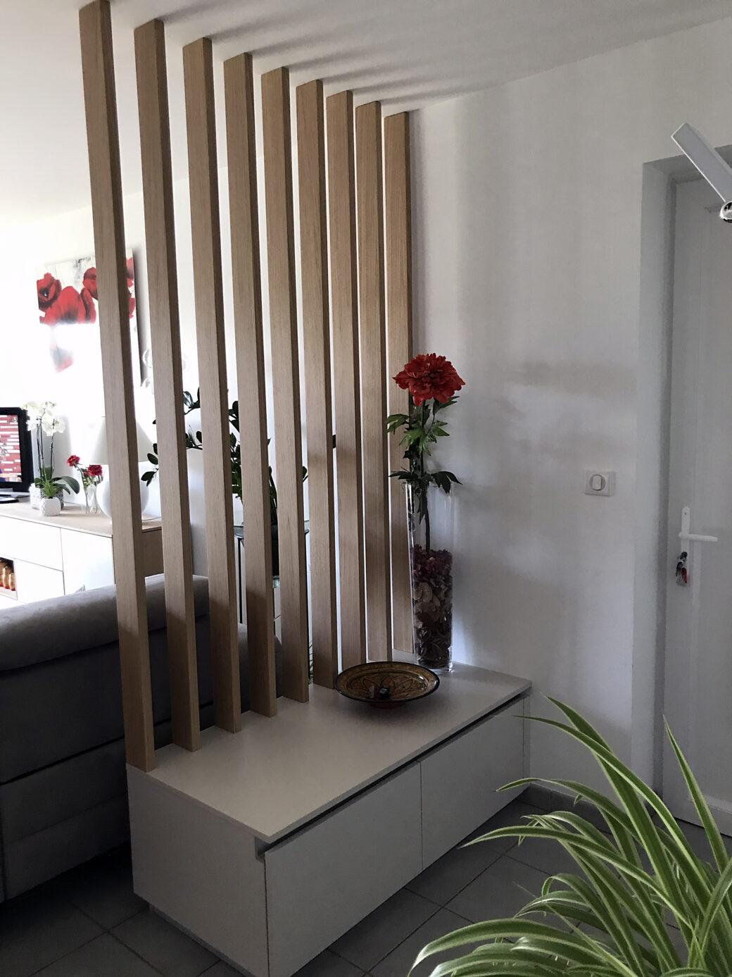 Cloison ajourée avec meuble – Conception et aménagement