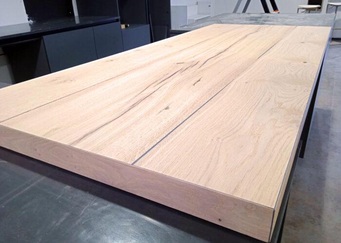 gros plan sur la table de la cuisine 2